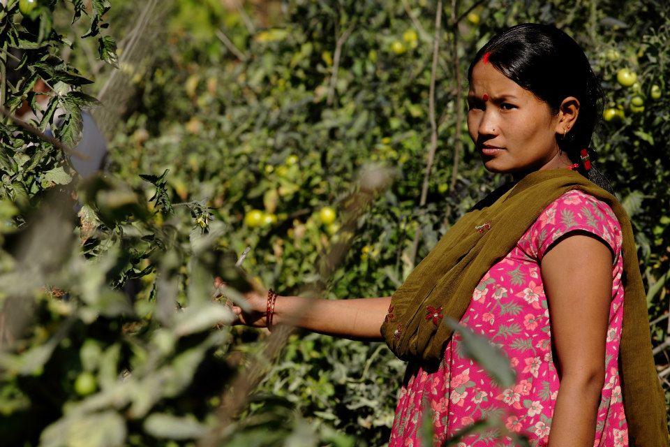 НЕПАЛ: Семејството ја протерало од дома поради менструација