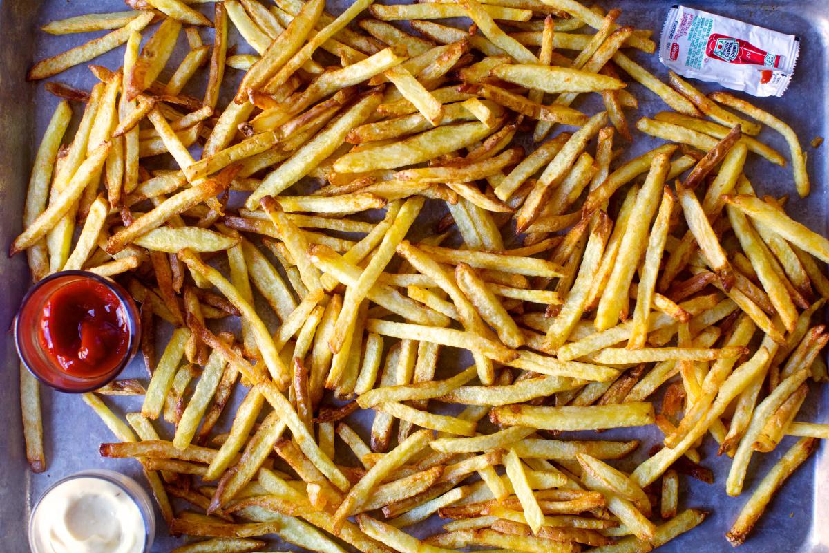 Четири видови храна кои експертите препорачуваат да не се јадат