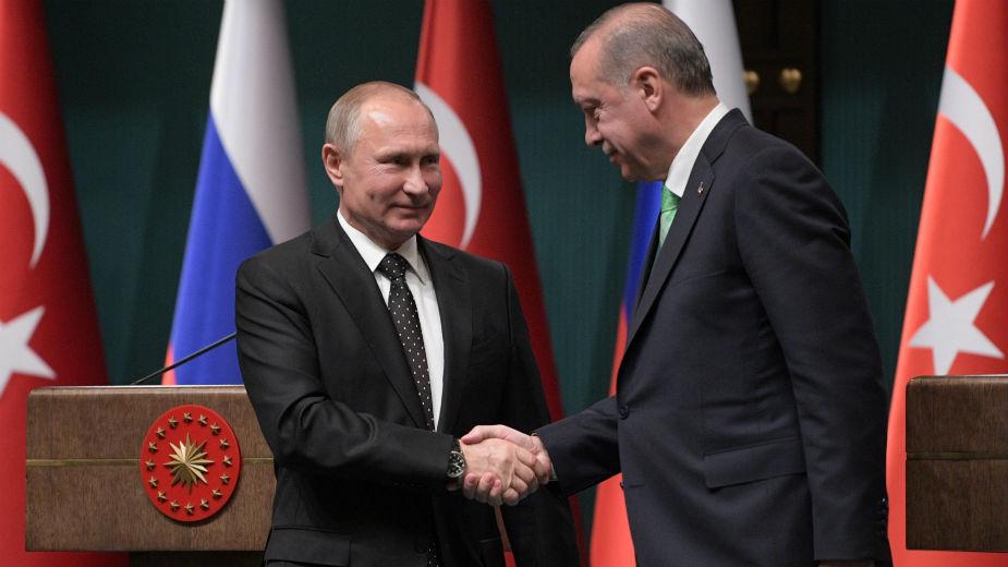 Путин и Ердоган разговараа за ситуацијата во Сирија