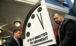 Часовникот на апокалипсата поместен на две минути до полноќ