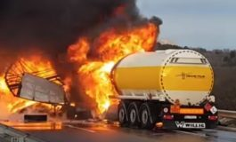 Се запали цистерна со нафта во Словенија, 4 возила изгореа, едно лице загина (ВИДЕО)