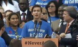Илјадници ученици на протест по масакрот во Флорида бараат забрана за оружјето (ВИДЕО)