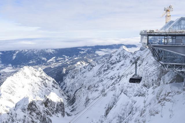 Неколку мртви и повредени во лавина на Алпите