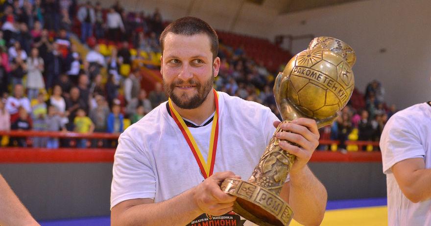 Стоилов: Ние сме европски шампиони и така треба да се однесуваме