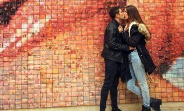 Љубовна тројка патува низ светот и снима секс, зарботуваат големи пари (ФОТО)