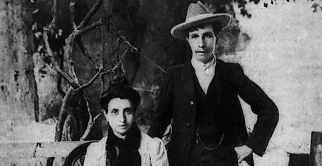 """ПРВИОТ ГЕЈ БРАК ВО ИСТОРИЈАТА: Овие две жени го """"зезнале"""" свештеникот"""