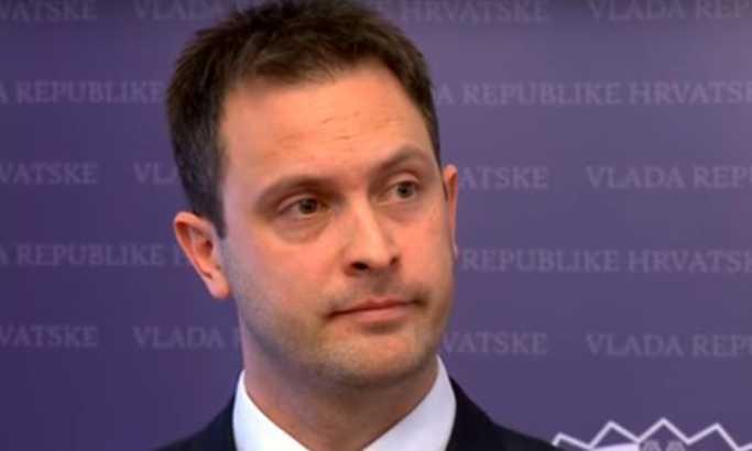 Државен секретар си даде оставка пред медиумите и изненадената министерка (ВИДЕО)