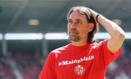 Тренерот на Волфсбург поднесе оставка