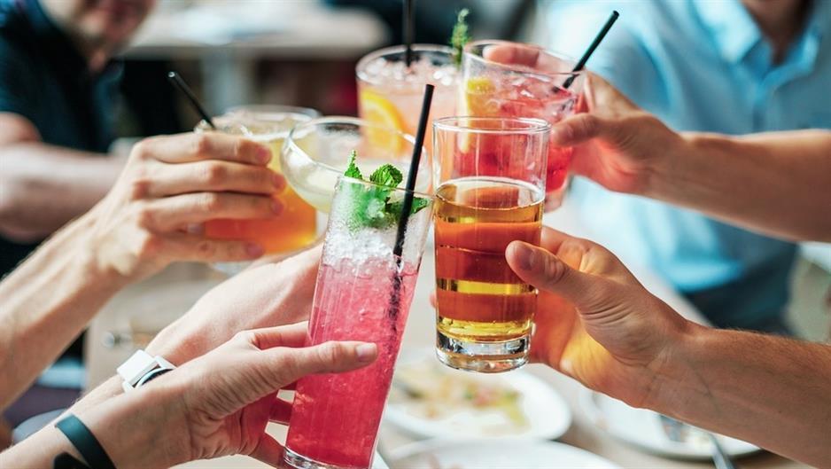 Одредени пијалоци го креваат расположението, други потикнуваат агресивност