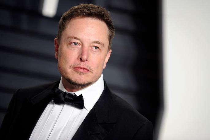 Освен Тесла автомобилот, Илон Маск во вселената испратил и мал мистериозен предмет