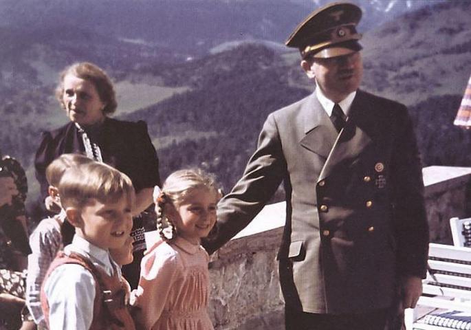 АРИЕВСКА РАСА: Децата од тајниот проект на Хитлер се уште се живи