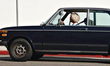 Прва во селото облекла панталони и седнала зад воланот: И денесвози на 83. години (ВИДЕО)