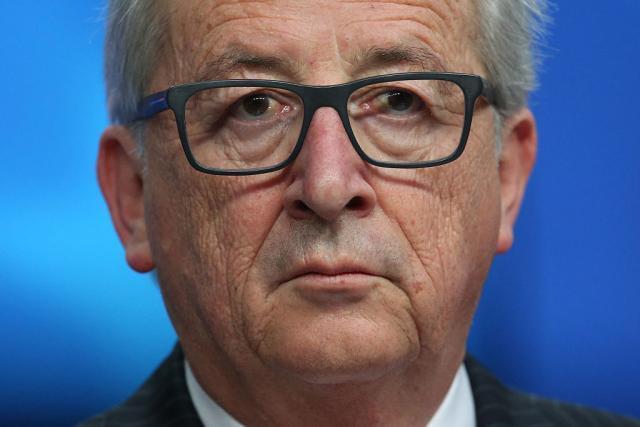 Јункер ја повика Приштина да ги подобри односите со Белград