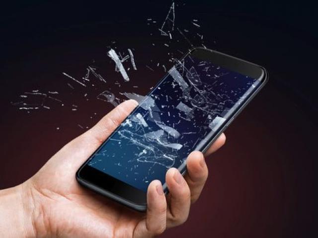 Експлозија на мобилен телефон усмрти девојче