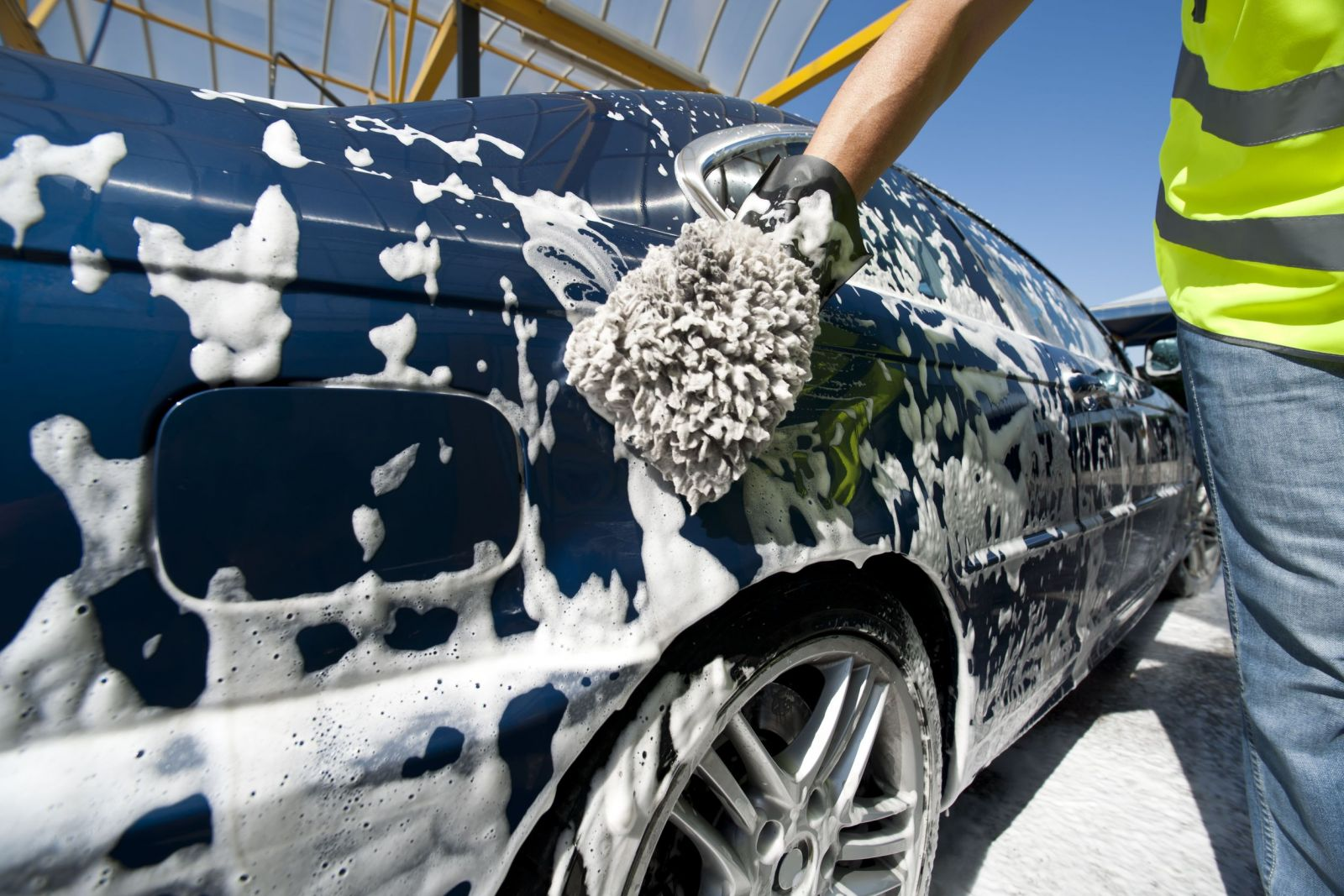 150.000 денари за миење на возилата на Општина Куманово