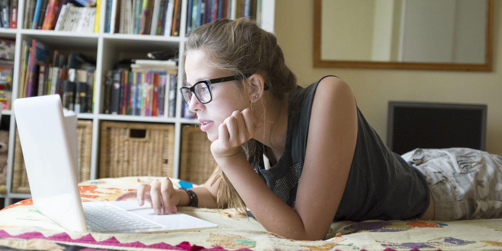 Претерувањето со социјалните мрежи го оштетува здравјето на младите