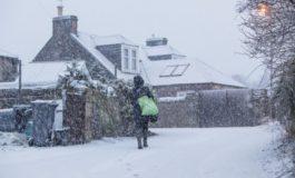 Стотина училишта затворени во Велика Британија поради силната зима
