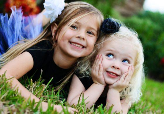 Сите кои имаат сестра се посреќни во животот, а ова е причината за тоа!