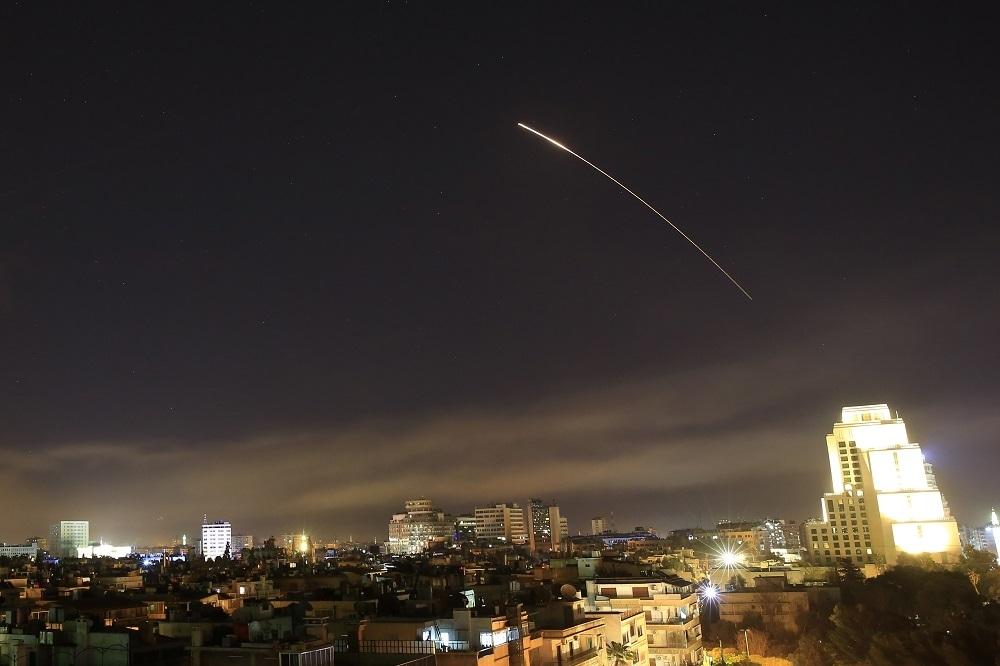 САД, Франција и Британија ја нападнаа Сирија (ВИДЕО)
