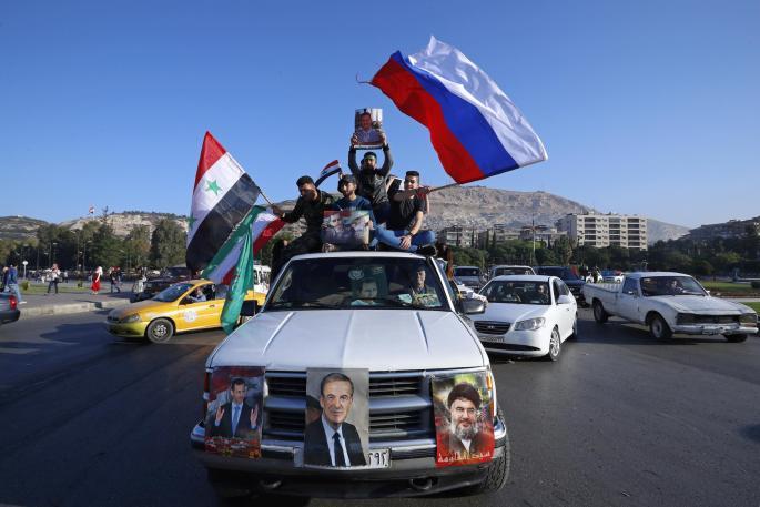 Граѓаните на Дамаск со руски знамиња излегоа на улиците (ФОТО)
