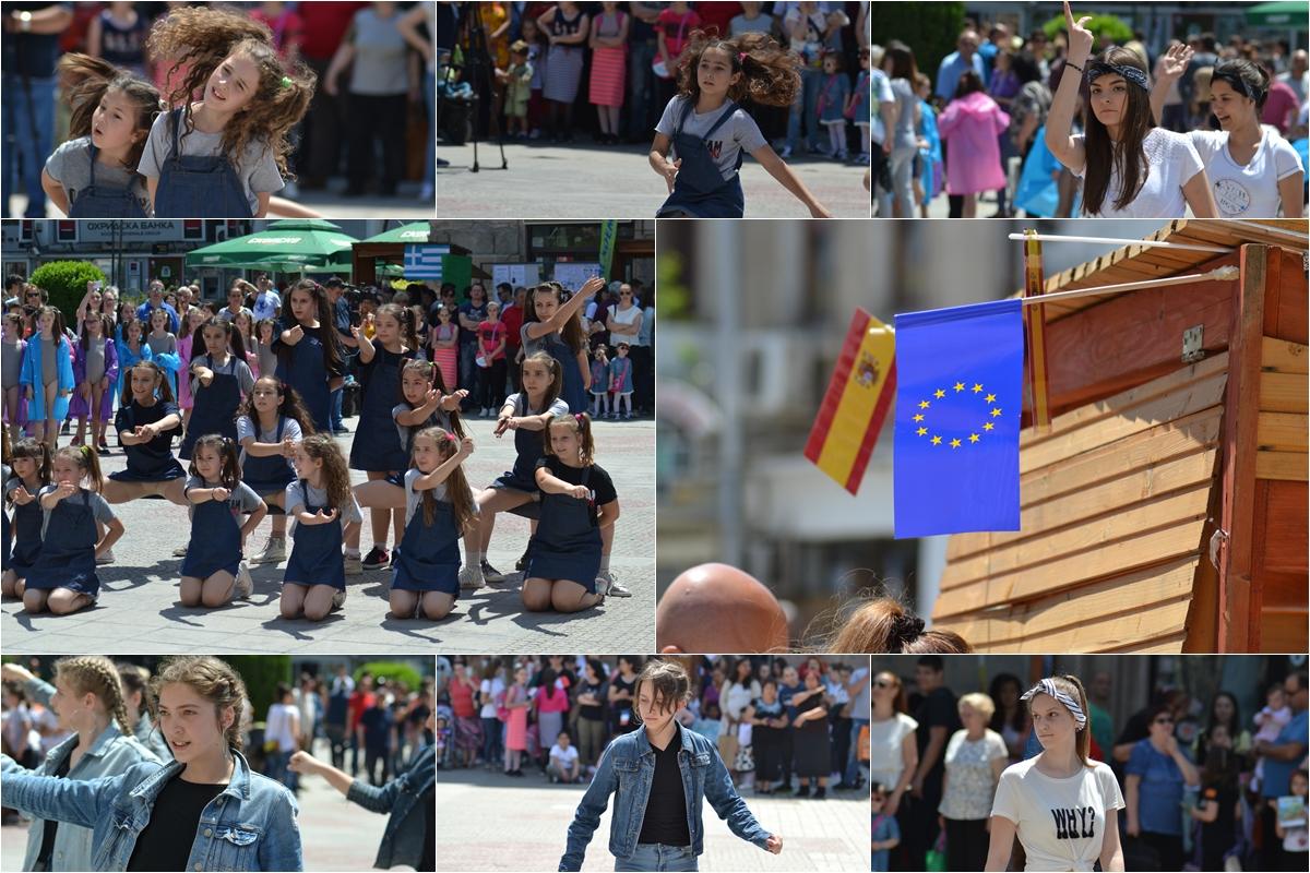 (ГАЛЕРИЈА) Денот на Европа одбележан на кумановскиот плоштад