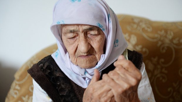 """Најстарата жена во светот (125) вели дека секој роденден за неа е """"Божја казна"""" (ФОТО)"""