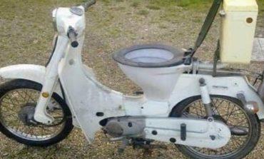 За добар мотор потребни ви се ВЦ школка, фотелја и обувки (ФОТО)