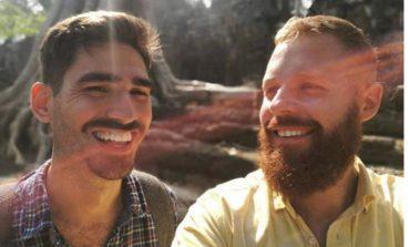Овие двајца пронашле начин како да го пропатуваат светот без пари (ФОТО)