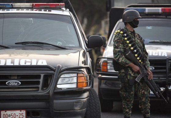 Во Мексико уапсена цела полициска станица, градот остана без полицајци