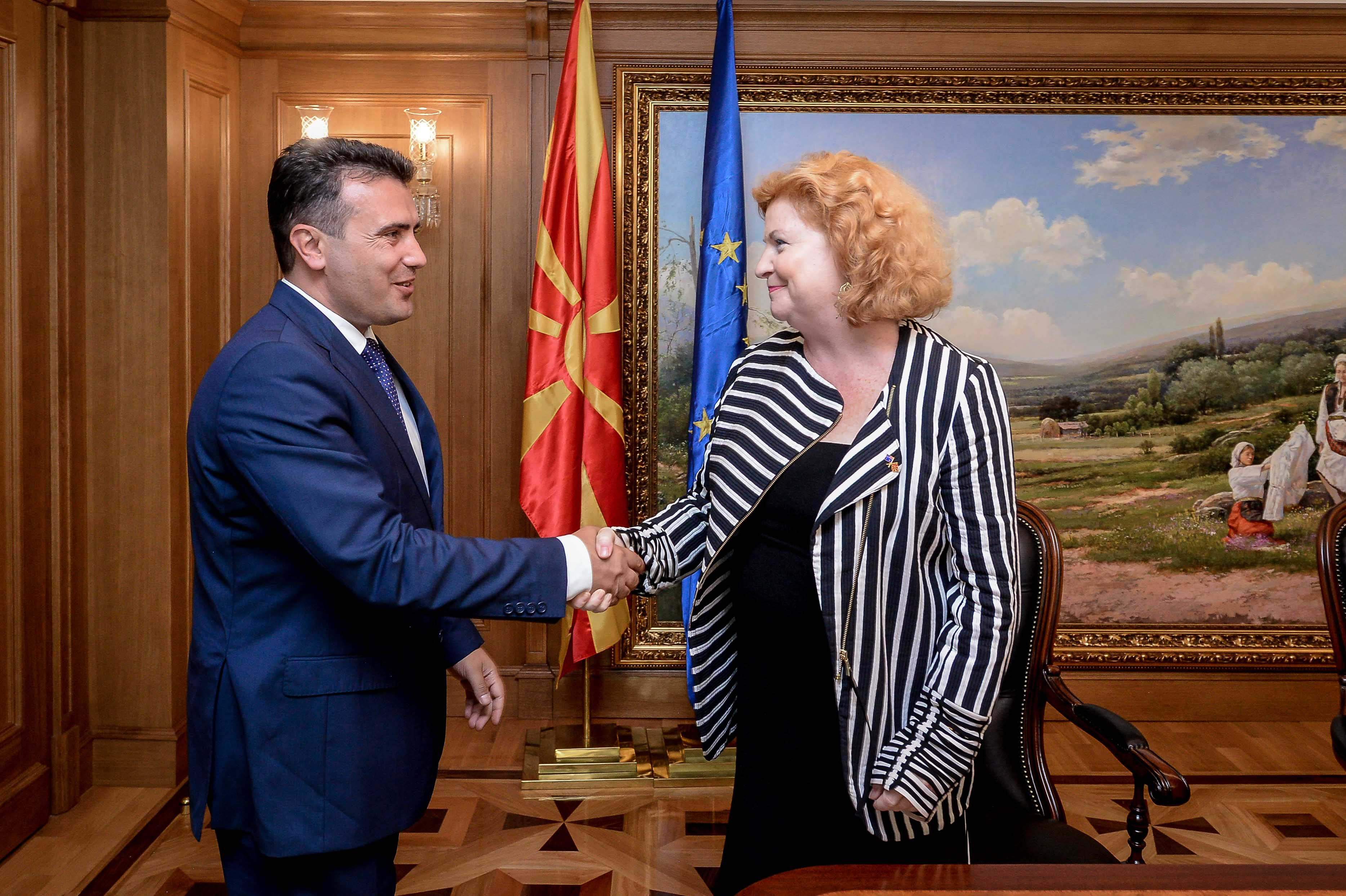 Средба на премиерот Заев со австралиската амбасадорка Фини