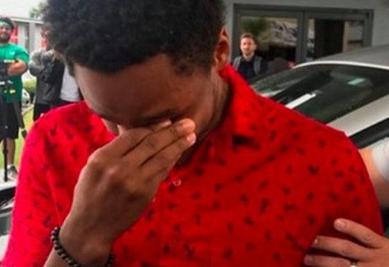 Му се расипал автомобилот, па првиот работен ден пешачел 30 километри – од шефот добил неочекуван подарок (ВИДЕО)