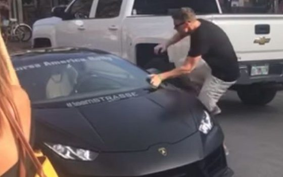 Сакаше да се пофали с'с скупо авто па се избрука за сви паре (ВИДЕО)