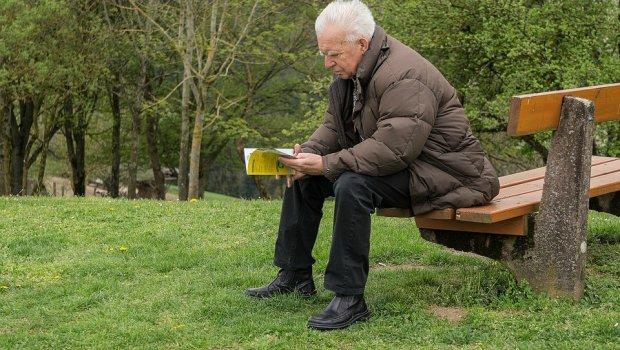 Заминал во пензија, па на 70 години запишал средно училиште