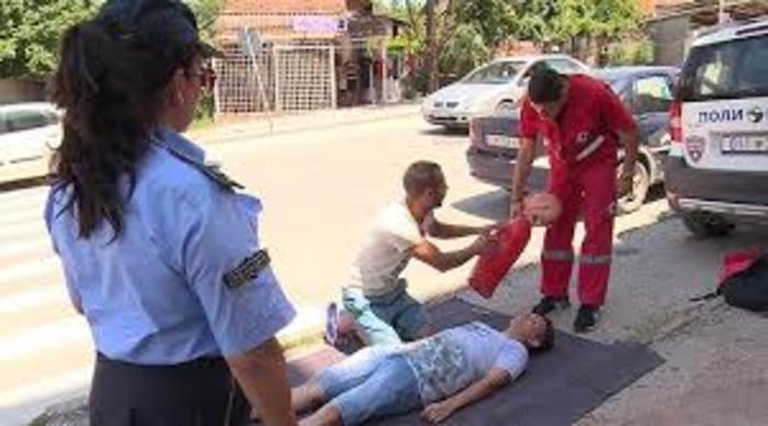 Симулациска вежба за прва помош при скршеници во Куманово