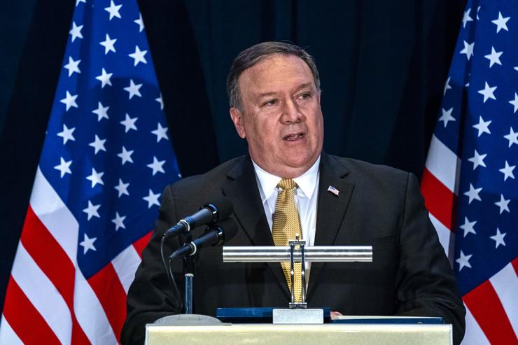 Помпео ја повика Северна Кореја да ги следи чекорите на Виетнам