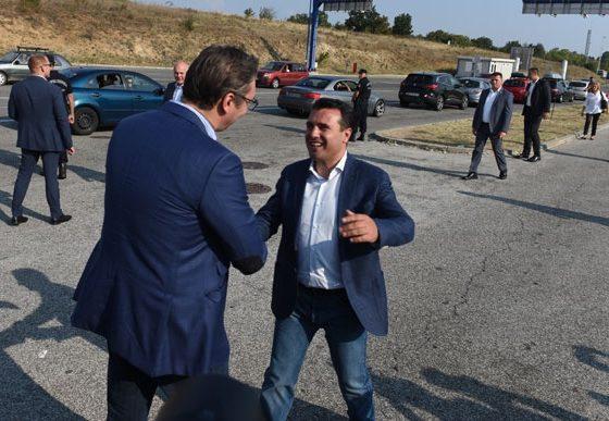 Заев и Вучиќ остварија средба на преминот Табановце – Прешево