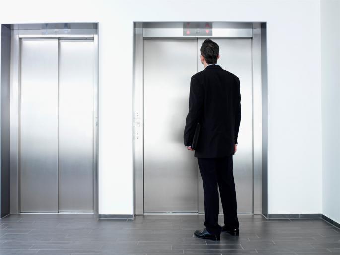 Дали би влегле во лифт кој води до вселената? Долгогодишната идеја се спроведува во дело!