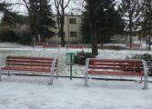 Поправени клупите во Соколански парк (ФОТО)