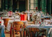 Ресторан нуди бесплатен оброк за децата, ако родителите ги остават мобилните телефони на влезот