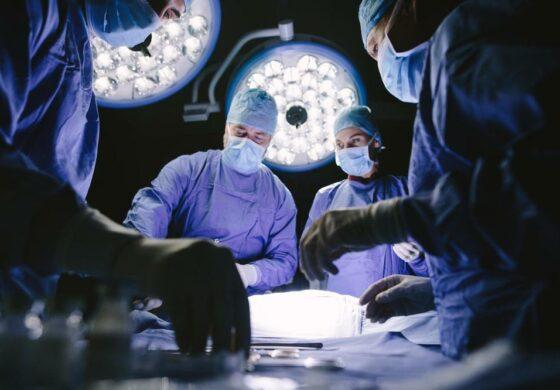Лекарите од неговиот стомак извадиле 2 килограми камења, а причината зошто ги јадел е бизарна