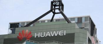 Хуавеј со пониски цени им ги зема купувачите на Самсунг и Ејпл
