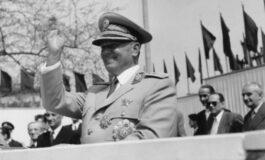 """Авторот на """"Книгата за нацијата"""" тврди дека Тито никогаш не постоел"""