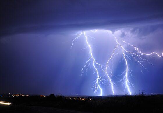 Во следните денови услови за неврме со дожд, грмотевици ветер и град