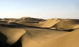 """Низ оваа пустина некогаш минувал """"Патот на свилата"""", а денес ја посетуваат само авантуристи (ВИДЕО)"""