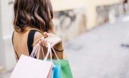 Три години од животот жените минуваат во шопинг