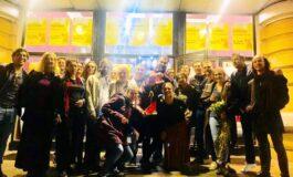 Кумановскиот театар со награда за најумористична претстава се врати од Бугарија (ФОТО)