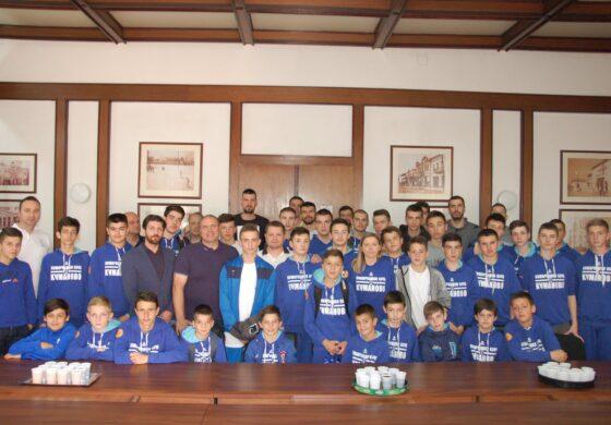 Кошаркарите на Куманово на средба со Димитриевски (ФОТО)