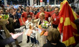 Евровизискиот тим на Македонија пречекан на аеродромот (ФОТО+ВИДЕО)
