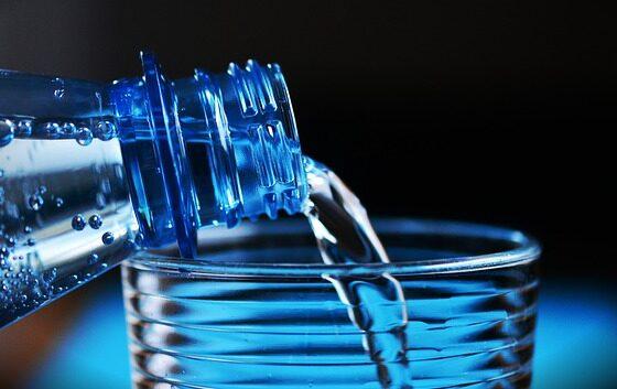 Зошто пластичното шише не треба да го користите повеќе пати?