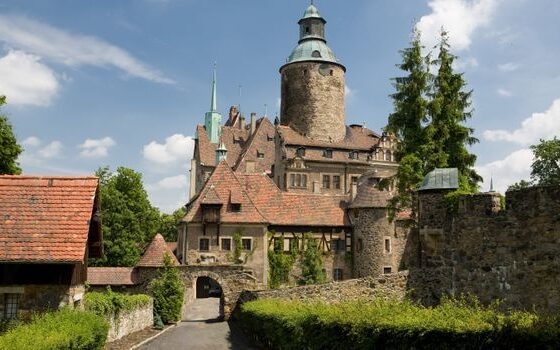 Во оваа европска држава постои школа за волшебници (ФОТО)